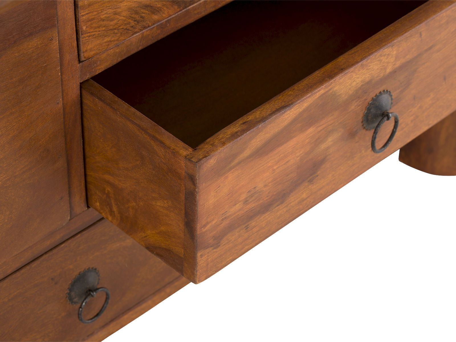 couchtisch truhe merlin iii couchtische von massivum. Black Bedroom Furniture Sets. Home Design Ideas