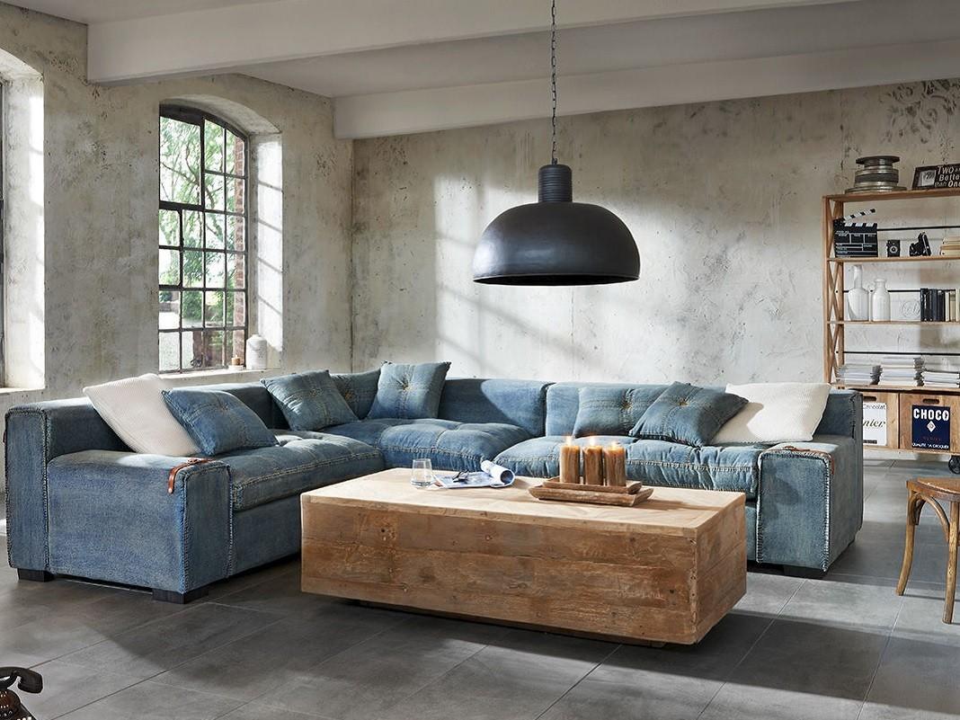 Holzblock-Tisch_als_Quader